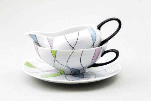 """Ausstellung """"Swinging Fifties"""" in der Porzellanmanufaktur Augarten: Teetasse und Milchgießer aus dem Jahre 1955 (Foto: Neue Wiener Porzellanmanufaktur Augarten)"""