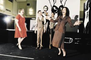 """Das Volkstheater eröffnet die Saison mit einer Bühnenversion von Gerhard Fritschs Roman """"Fasching"""" (Foto: Alexi Pelekanos)"""