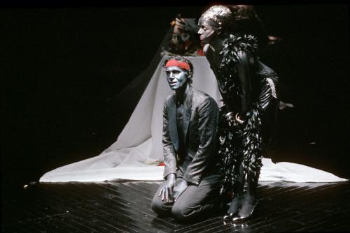 """Peter Simonischek (mit Jutta Lampe) in Peter Steins """"Neger""""-Inszenierung von 1983: """"Letztlich ein totales Missverständnis"""" (Foto: Ruth Walz)"""