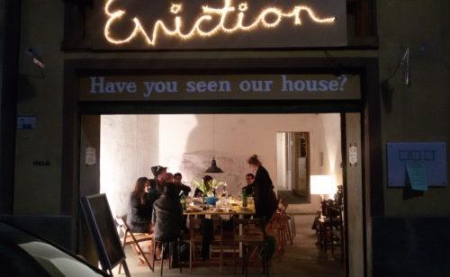 Der Kunstraum mo.ë veranstaltet Abendessen für alle. (Foto: Mathias Dusini)