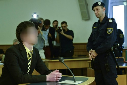 """Angeklagter Josef S. vor Gericht. Er sei """"offenkundig von purem Hass getrieben"""" (Foto: APA/Herbert Neubauer)"""