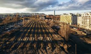 Auf diesem brachen Gelände soll in den nächsten Jahren der Bildungscampus Nordbahnhof II entstehen (Foto: Christian Wind)
